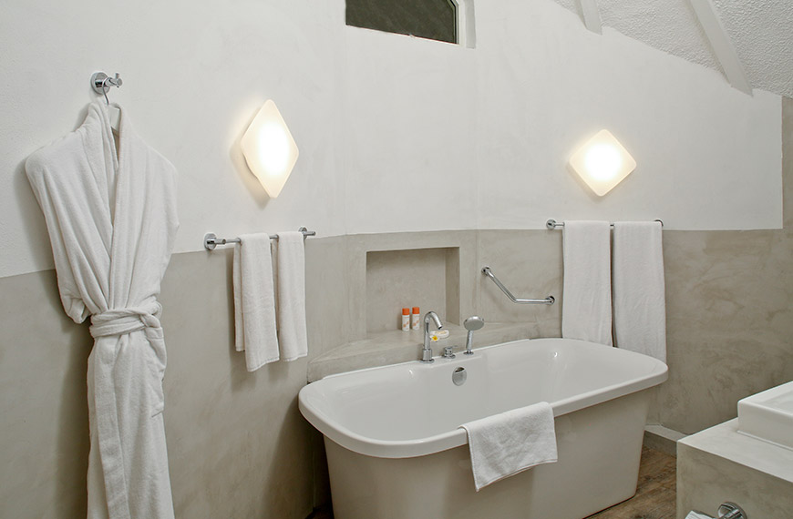 beach-pavillon-bathroom