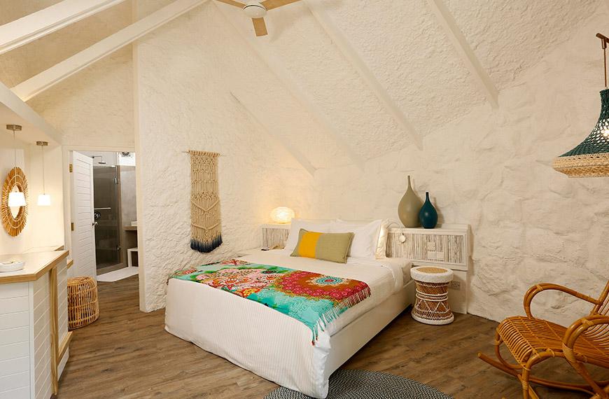 garden-bungalow-bedroom