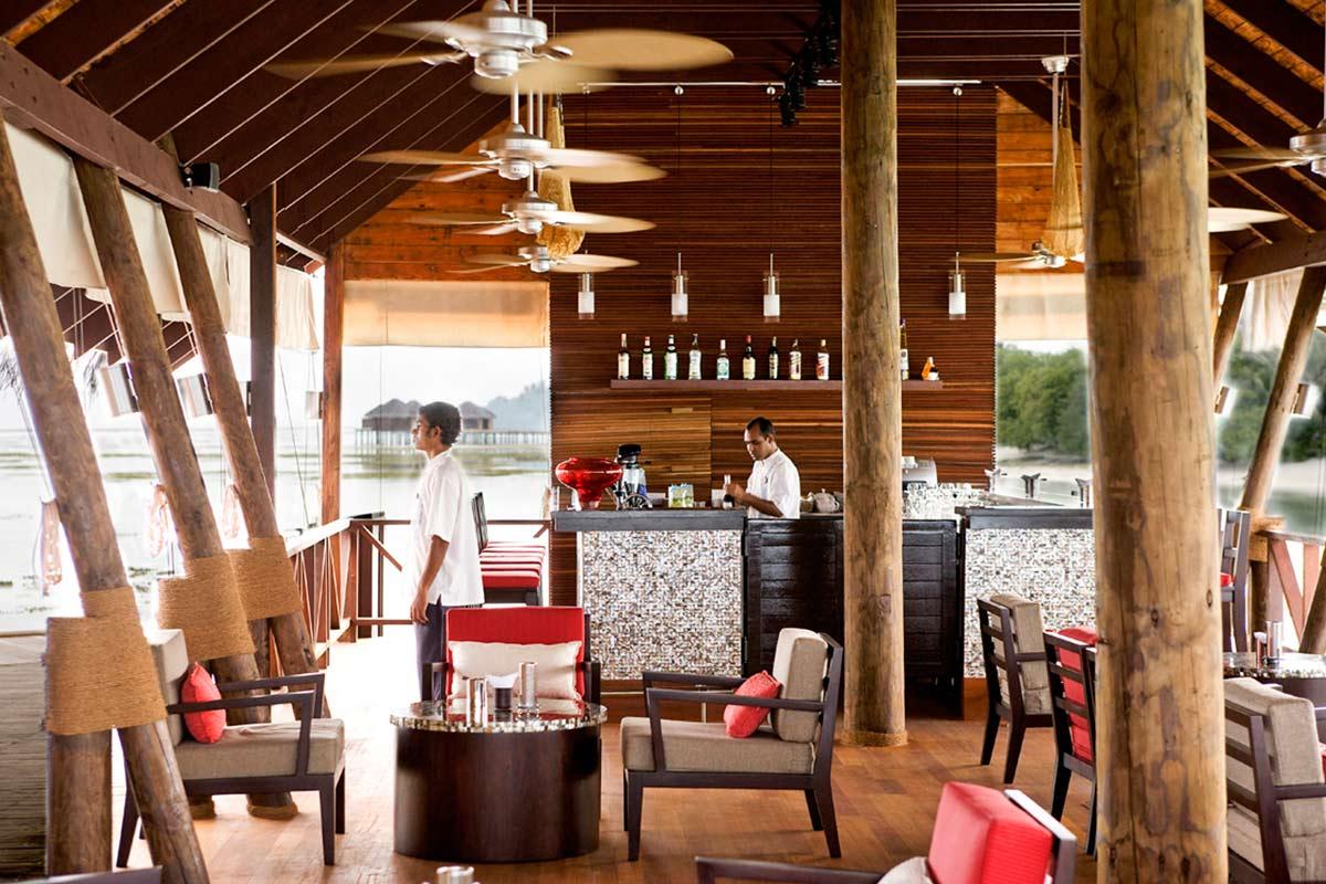 ID - LUX Maldives - Interior - Restaurant Area